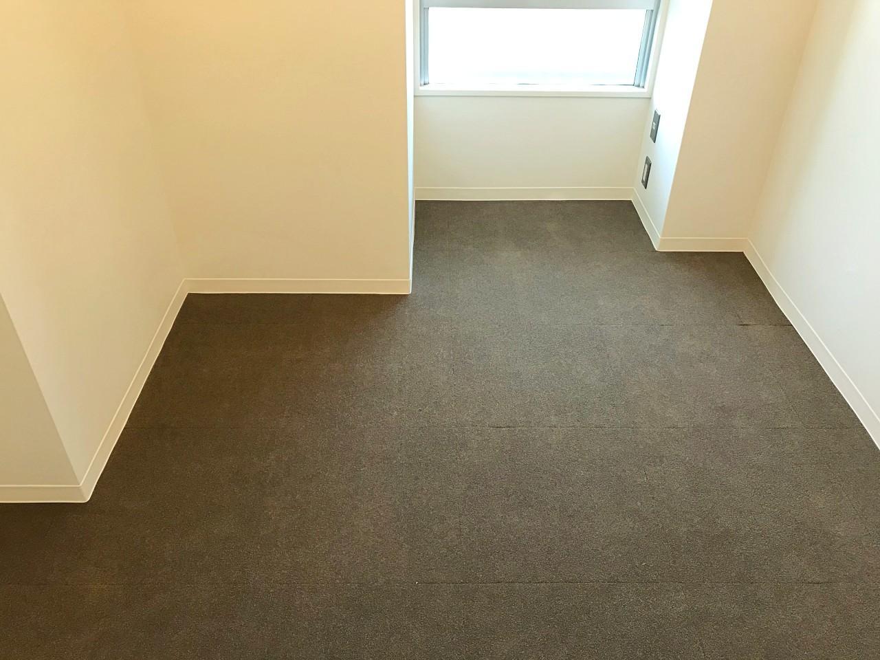 カーペット敷きの床が落ち着きます