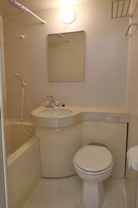 各室に完備された3点ユニット(風呂・トイレ・洗面)