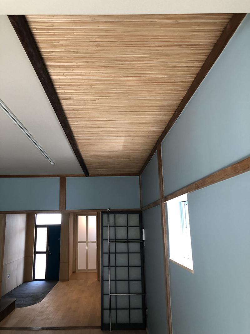 天井の装飾は昔のまま。
