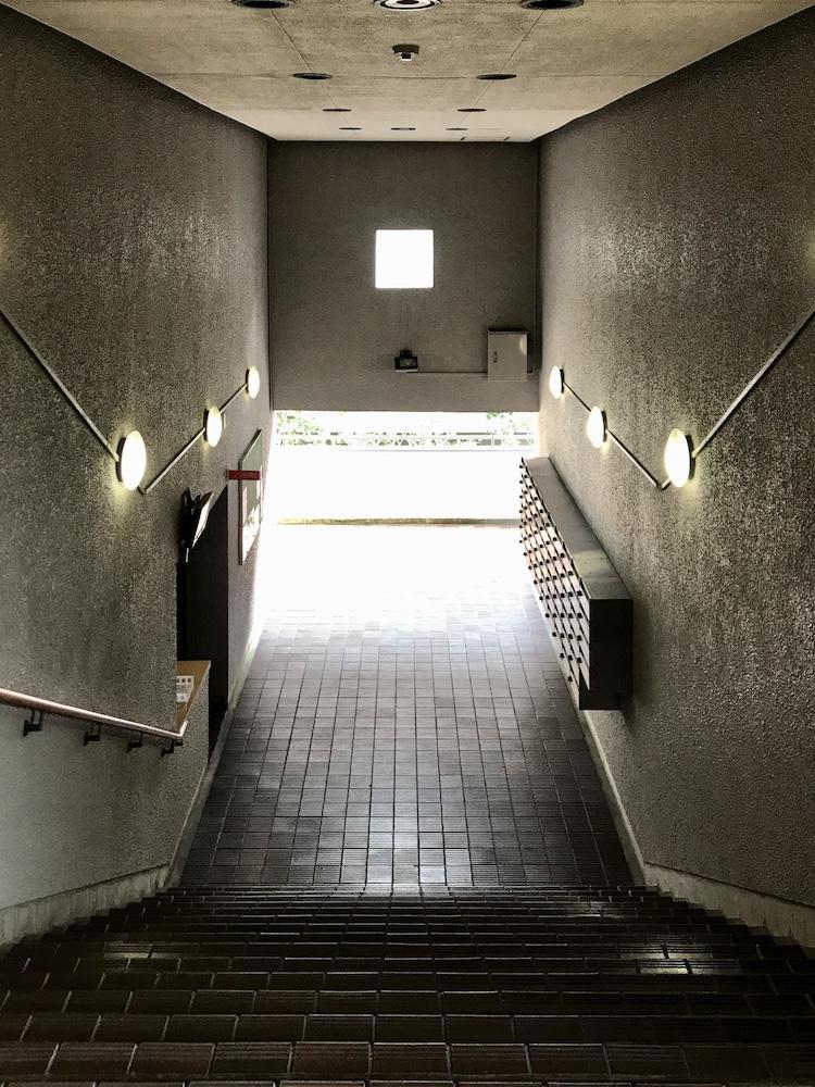 マンションの共用階段はヴィンテージ感満載