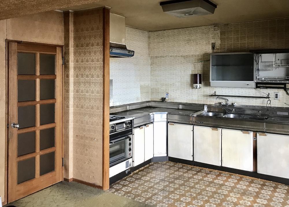 1階のキッチンも竣工当時のまま