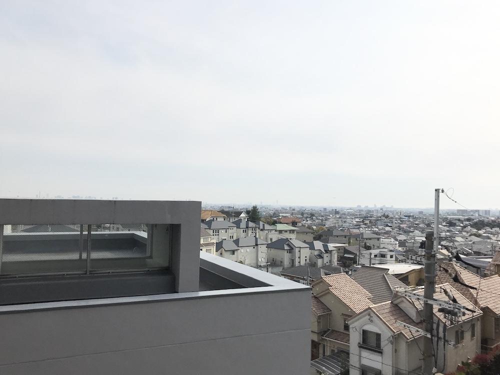 2階バルコニーから眺める空