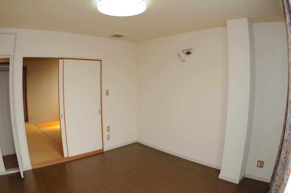 和室と続き間の洋室。