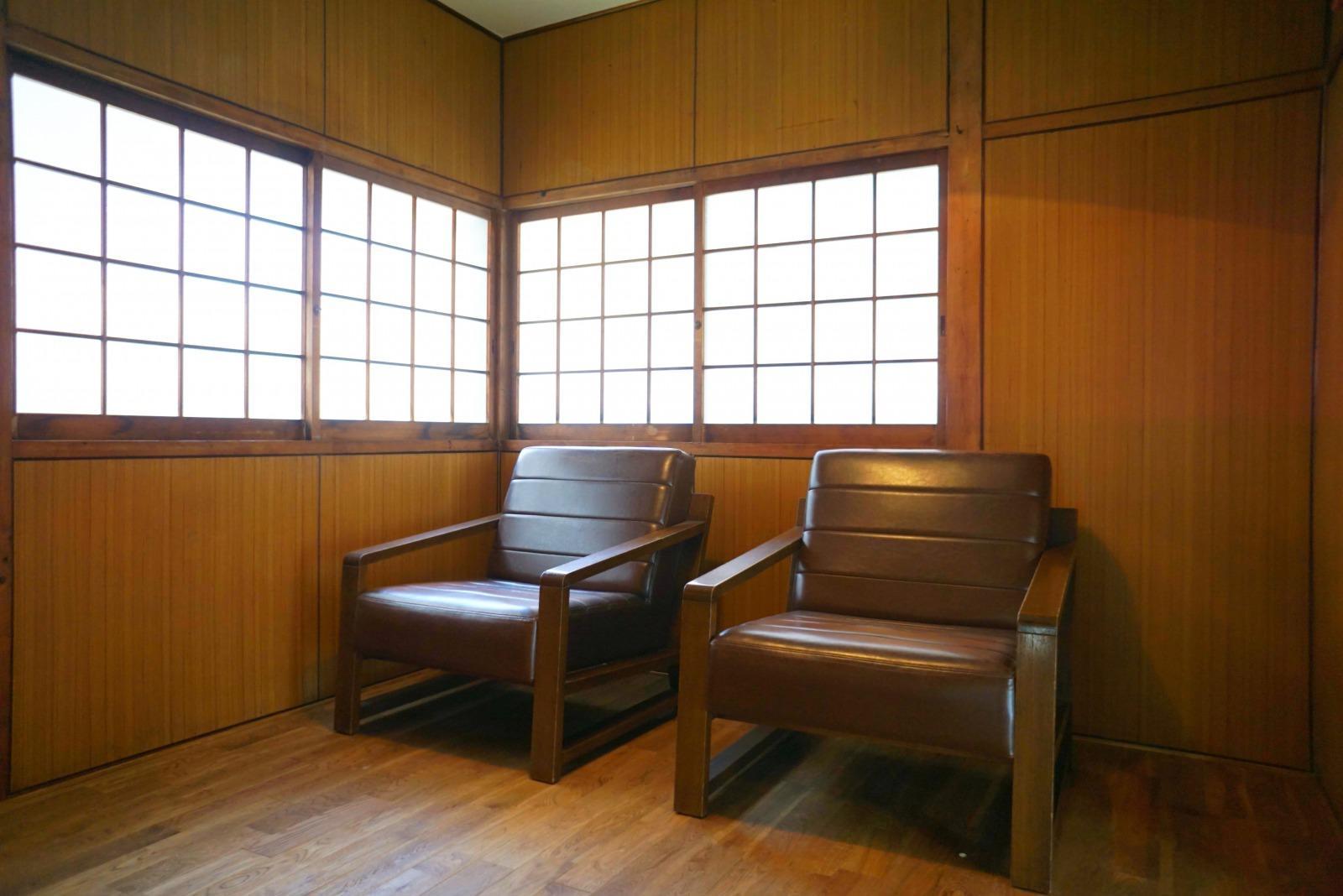 突き当たりの4.5帖の洋室。