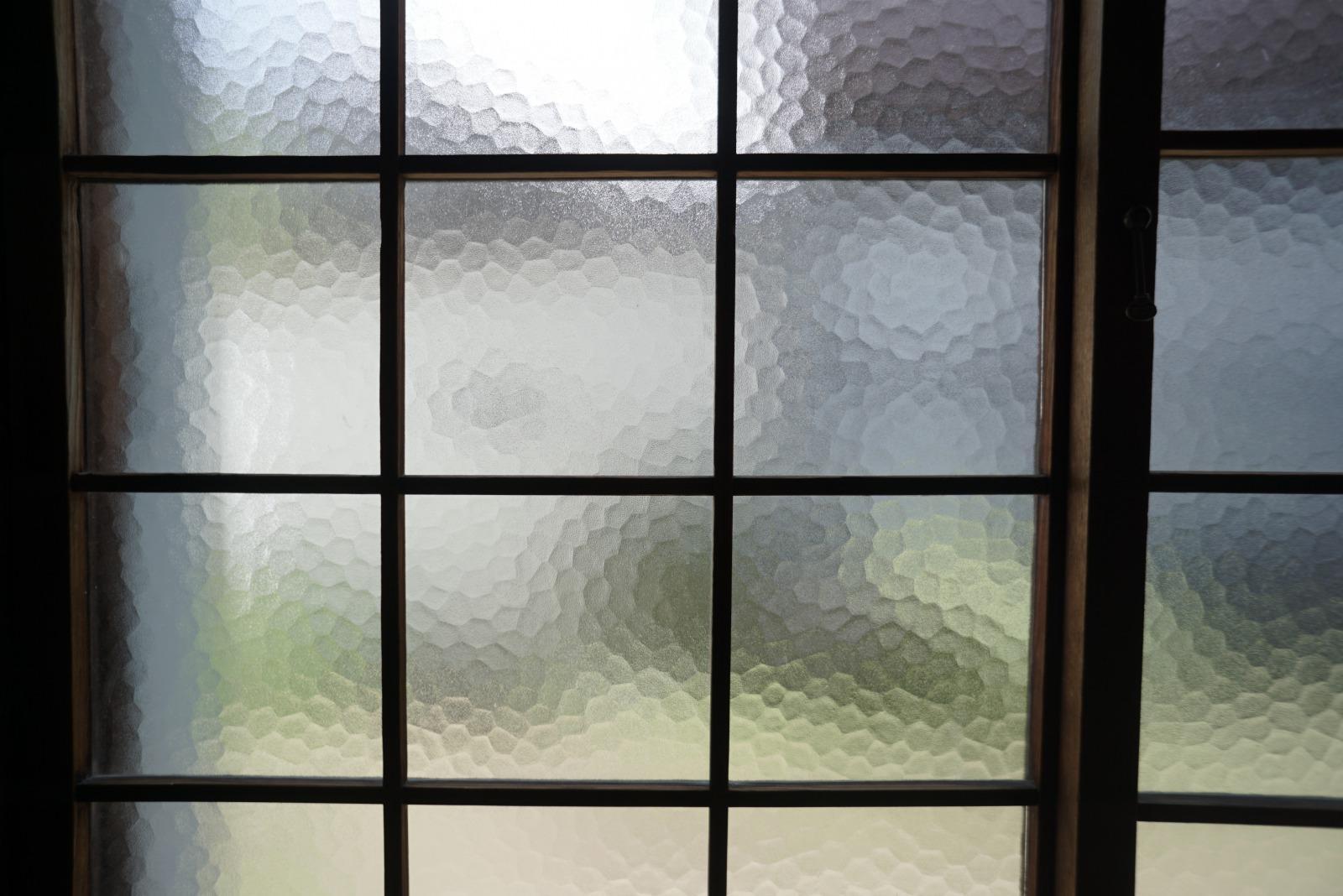 和室のレトロで可愛いすりガラス。