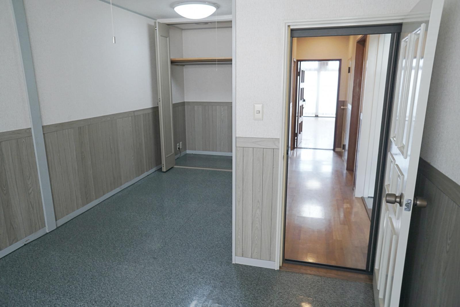 4階北側の洋室