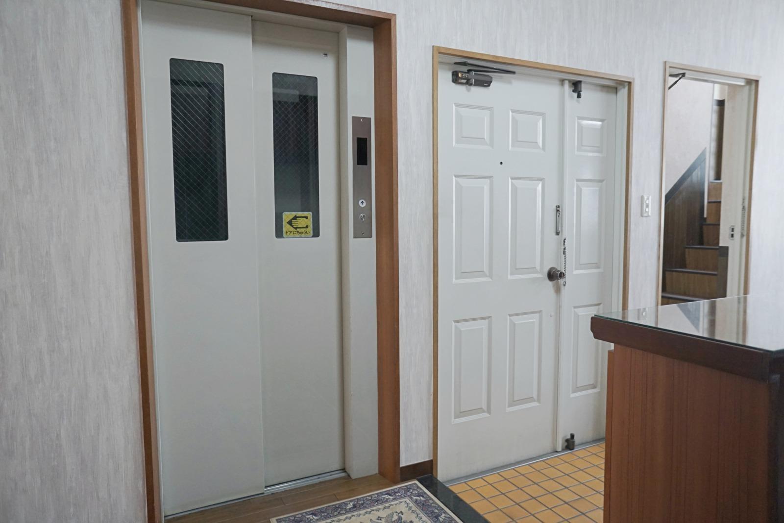 専有のエレベーター(2-5階)