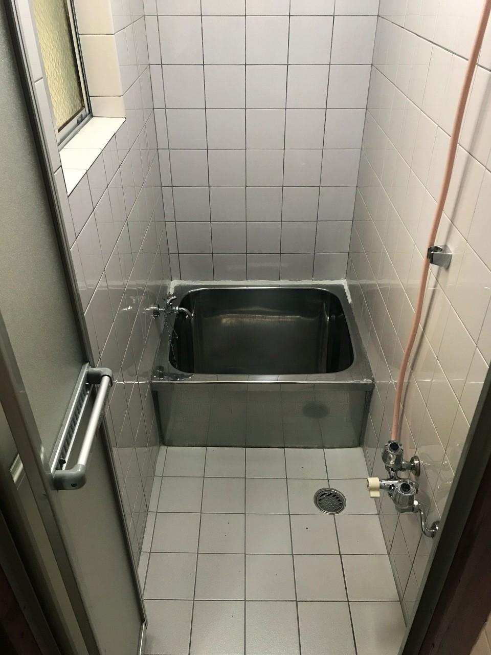 浴室が小さい!