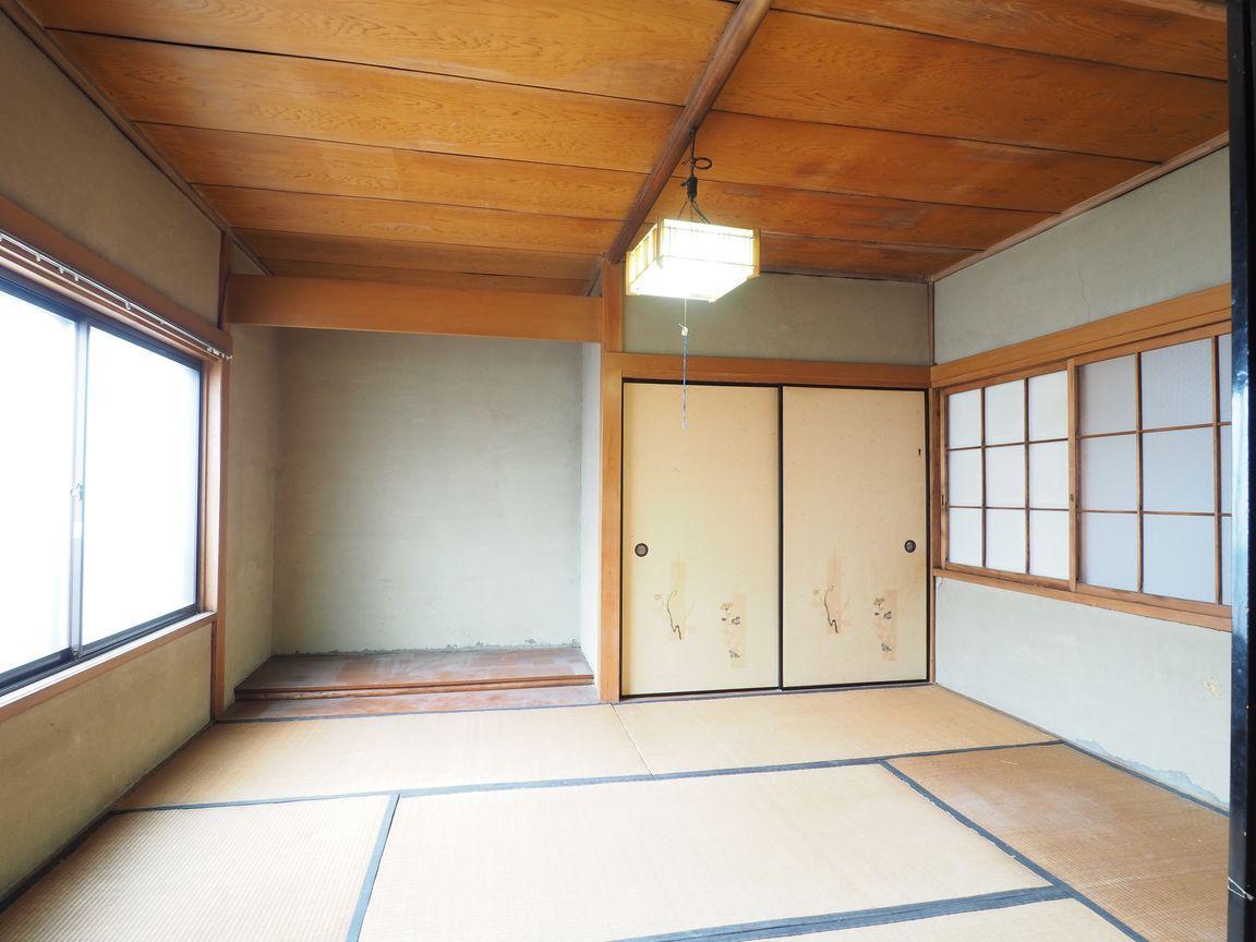 2階和室6帖。北向きだが光がよく入る