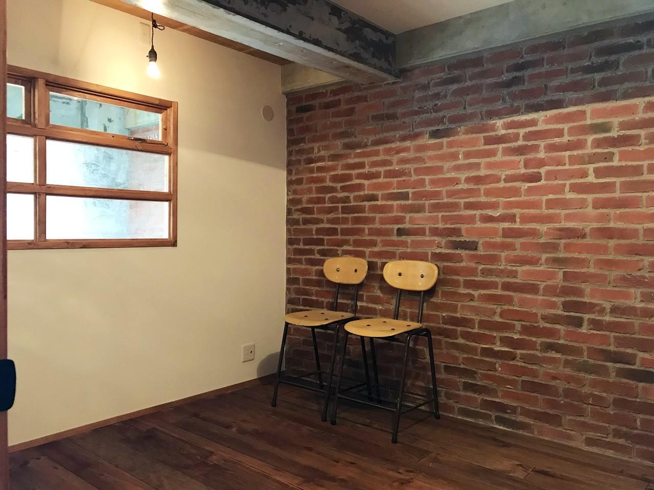 LDK横の洋室。籠もり感がいいですね