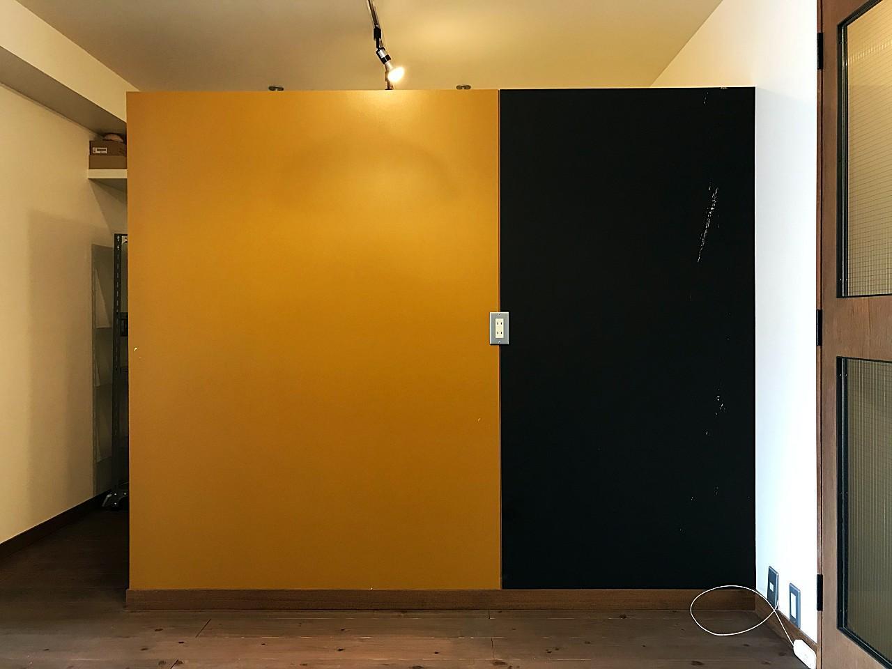 黒板塗装を施されています