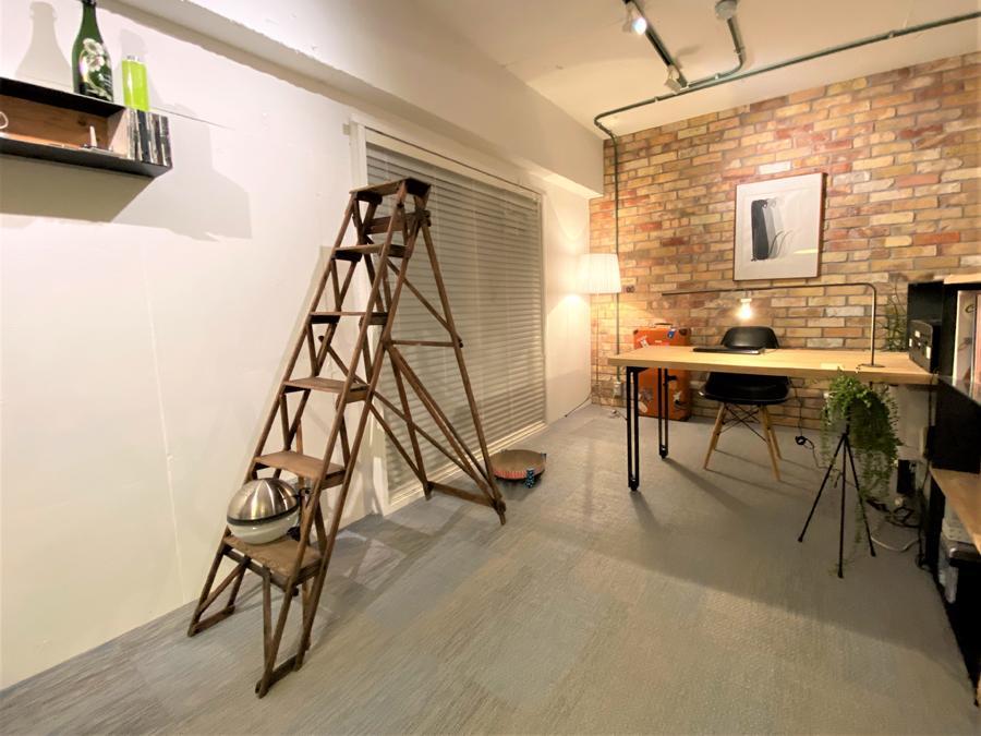 家具やインテリアの配置を考えるのも魅力の一つ