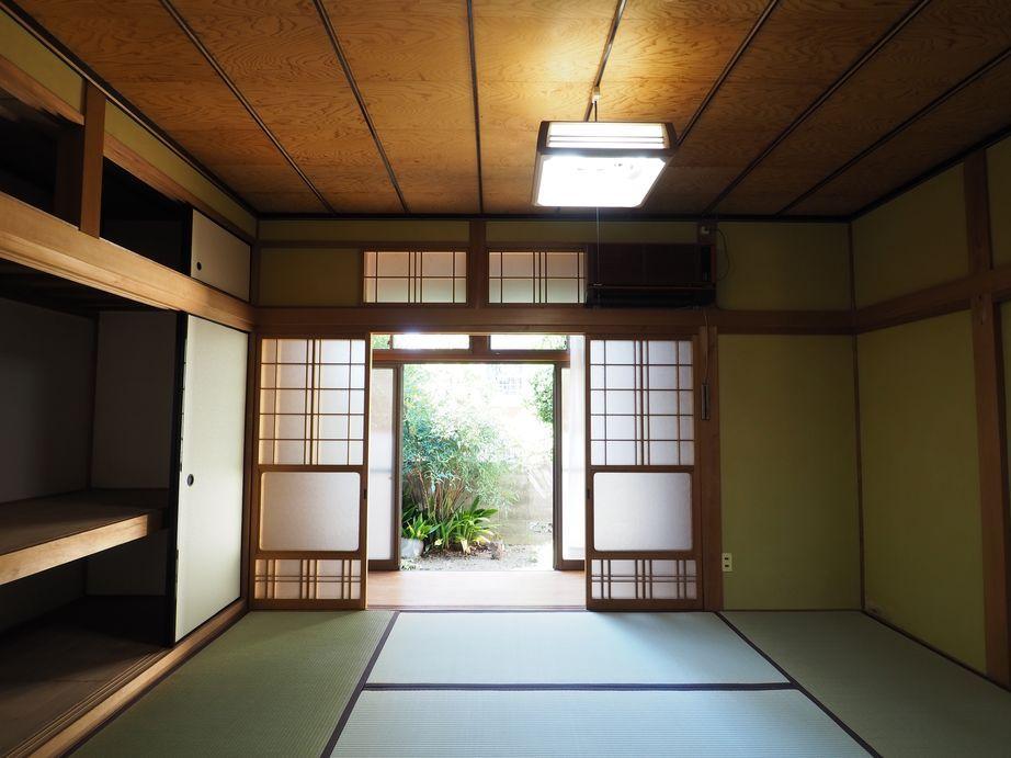 1階和室6帖と北側の専用庭。風通しが気持ちいい