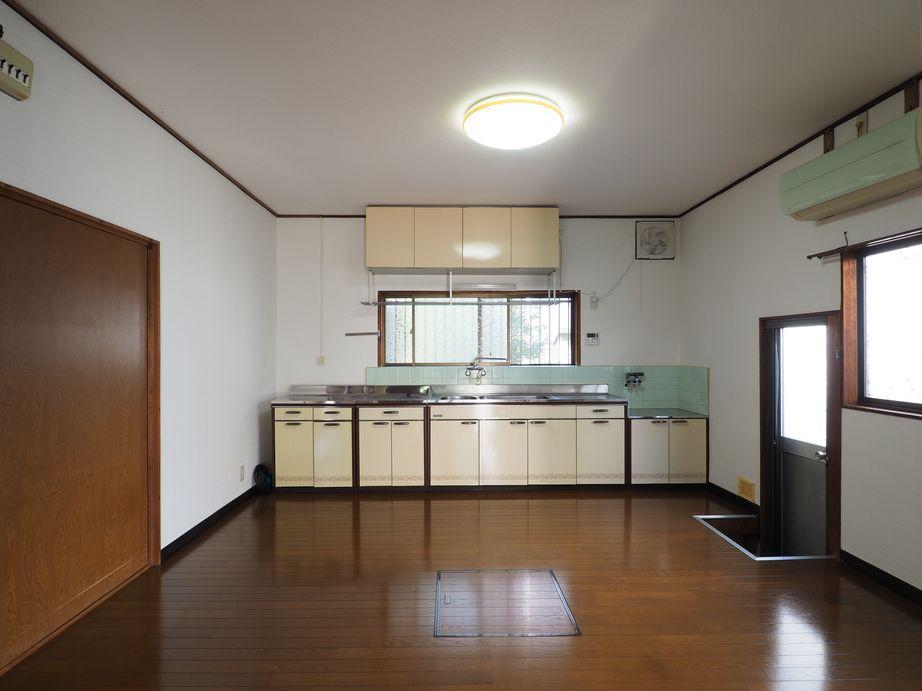 1階DK。キッチンは十分な広さ
