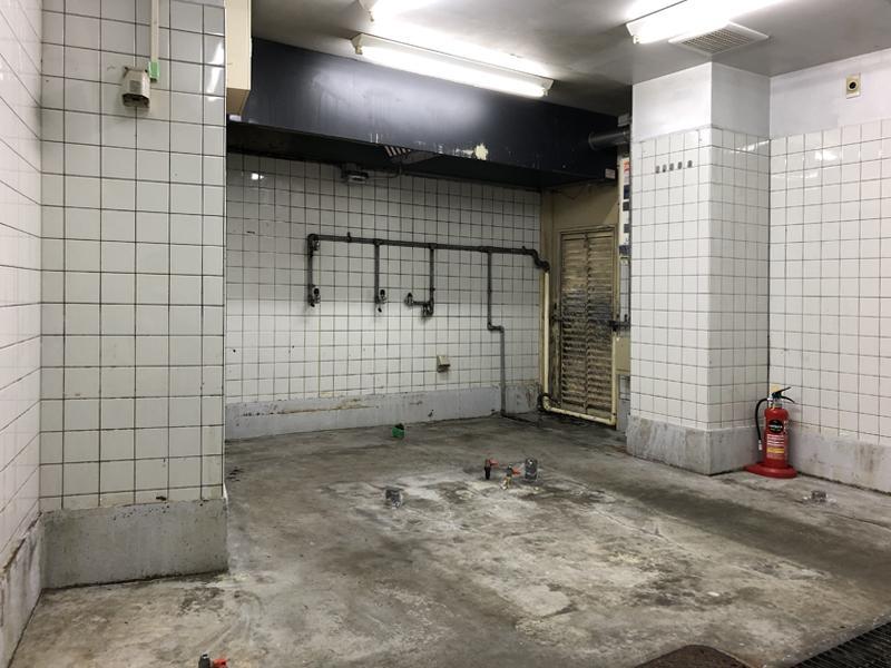 主な厨房設備は2階にあります