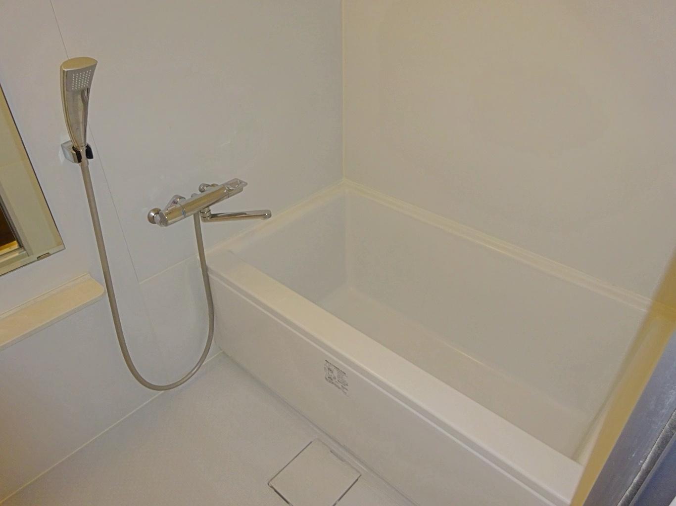 浴室はユニットバス