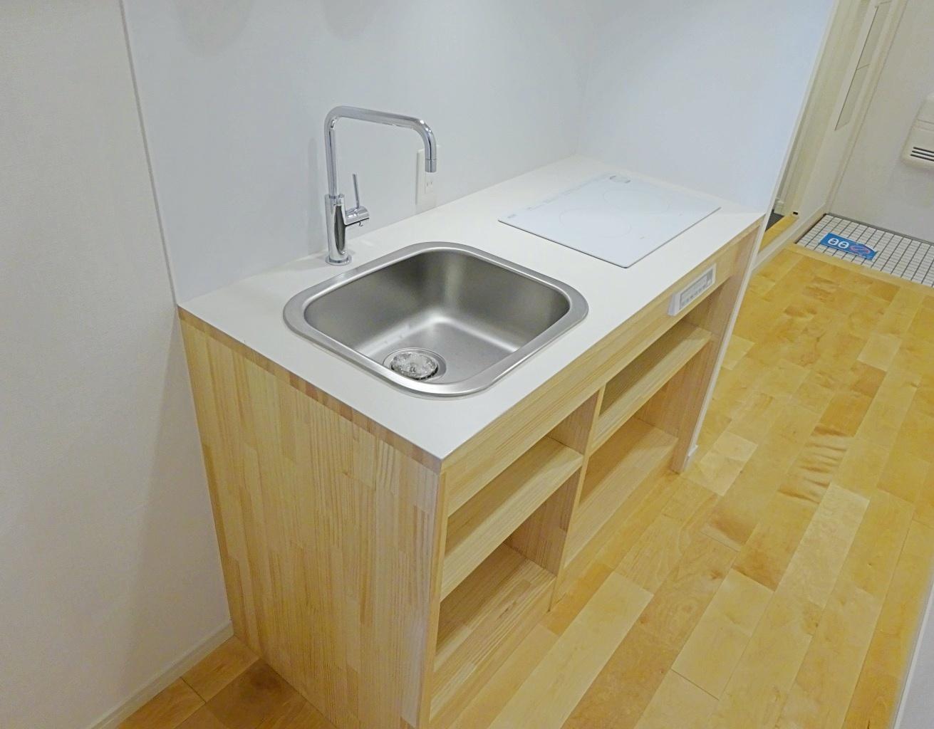 キッチン。2口のIHコンロです。
