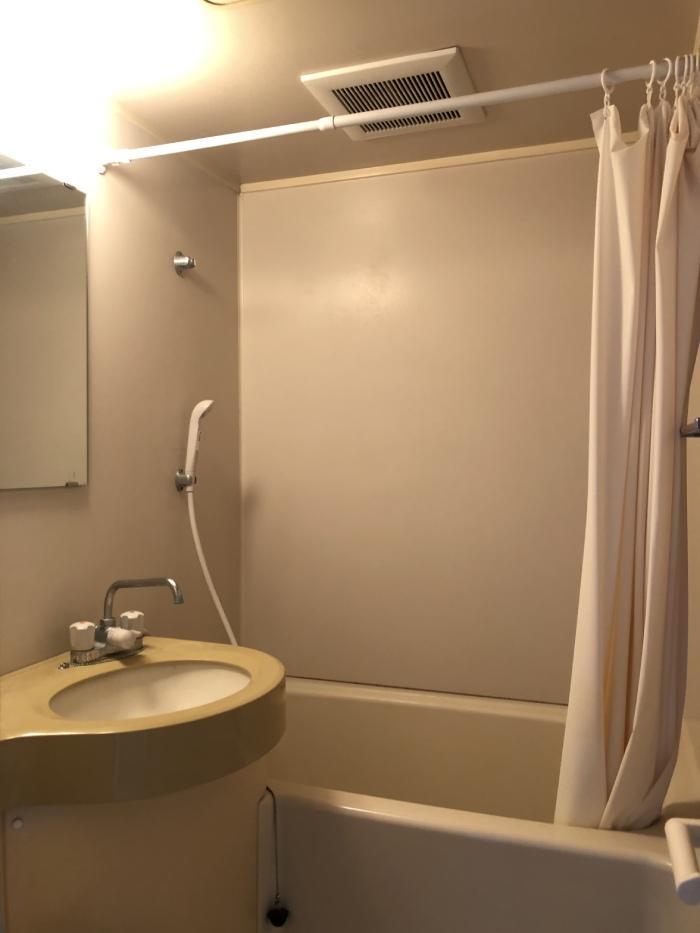 バストイレ洗面台が同室の3点ユニットバス
