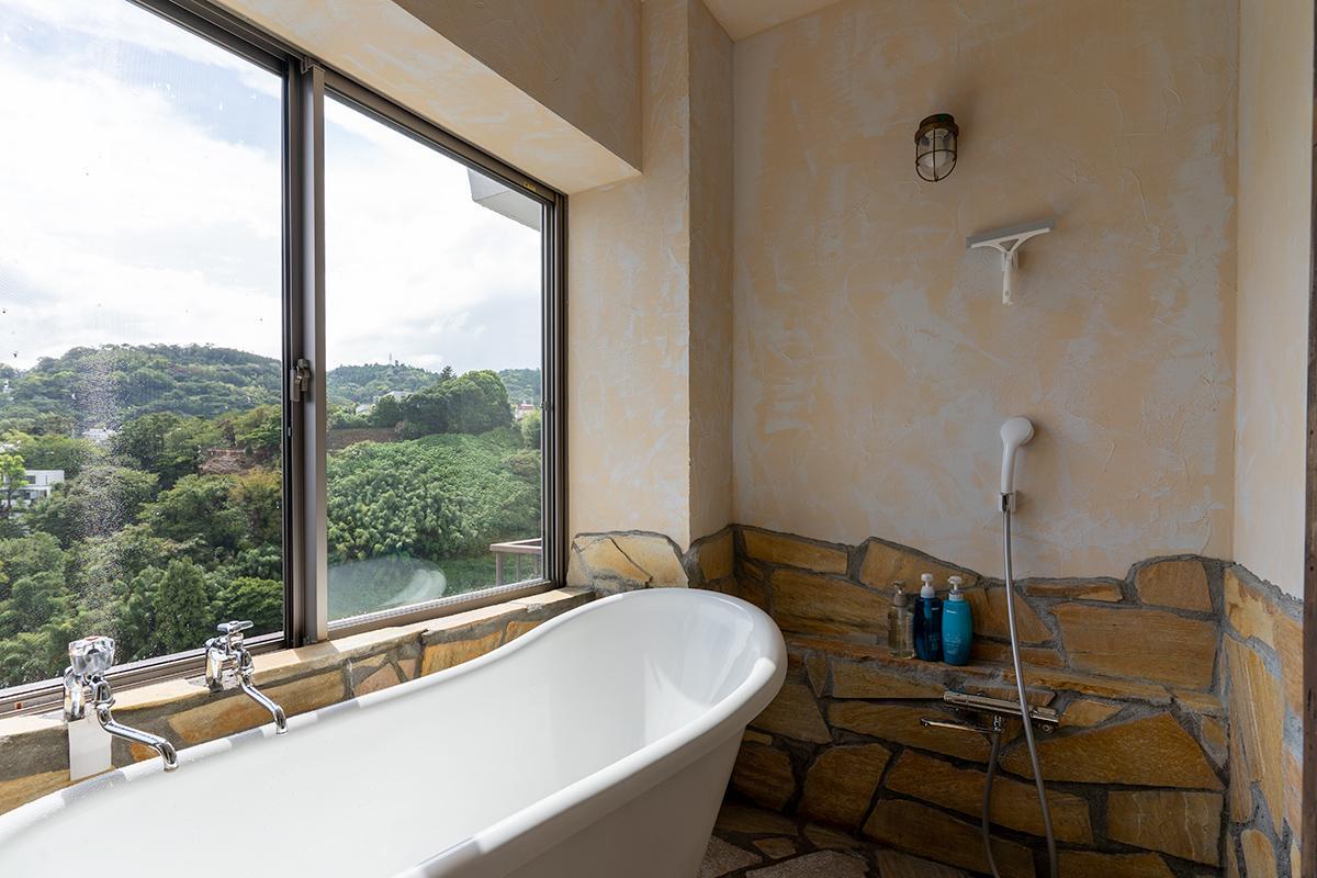 露天風呂もいいですが、見晴らしのいい温泉ビューバスもいいですよね