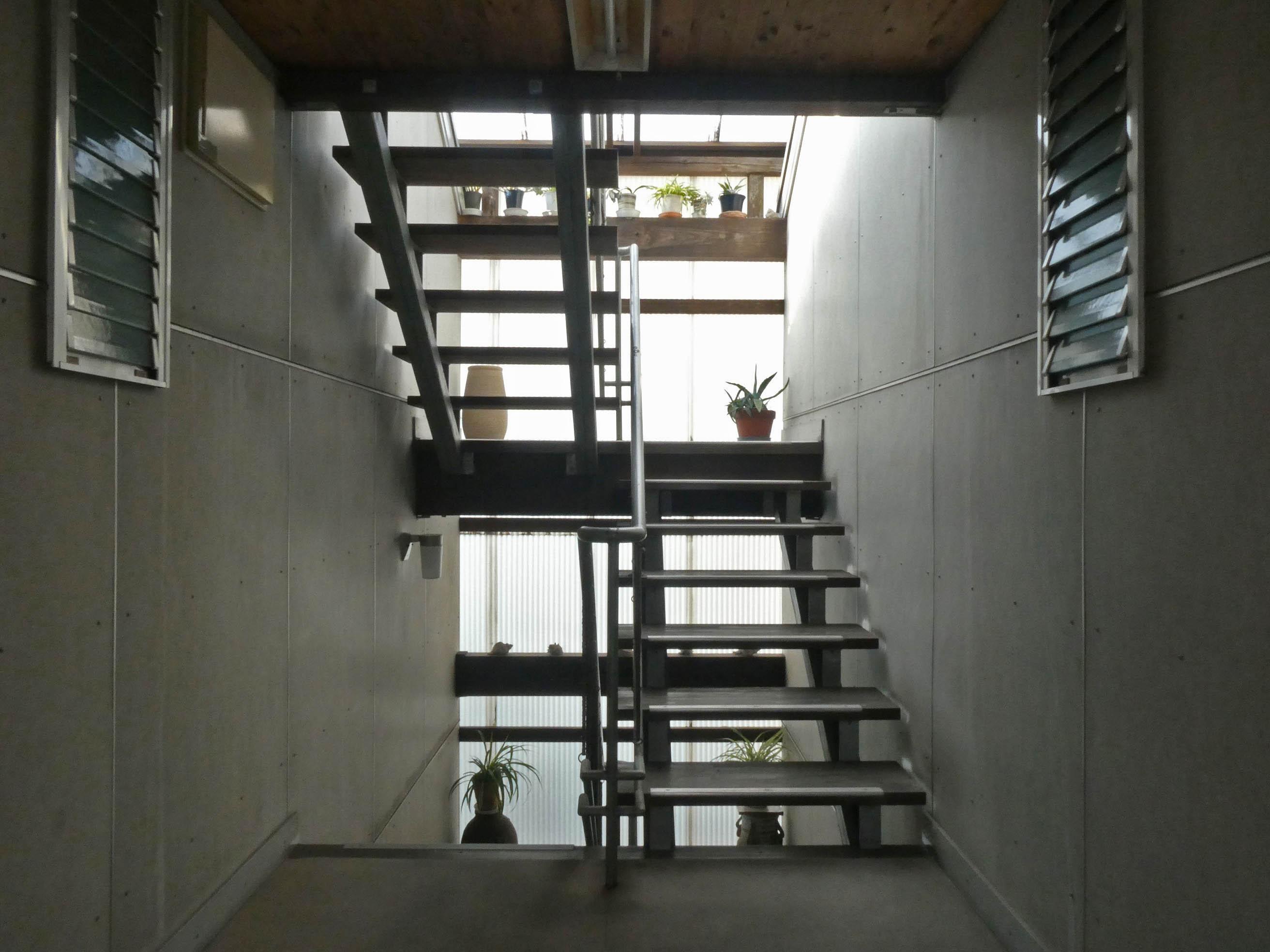 共用部の階段