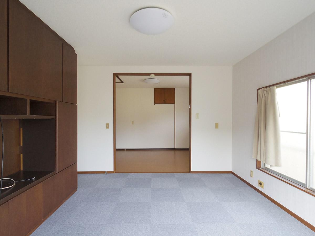 2階洋室は引き戸を外した12畳の空間