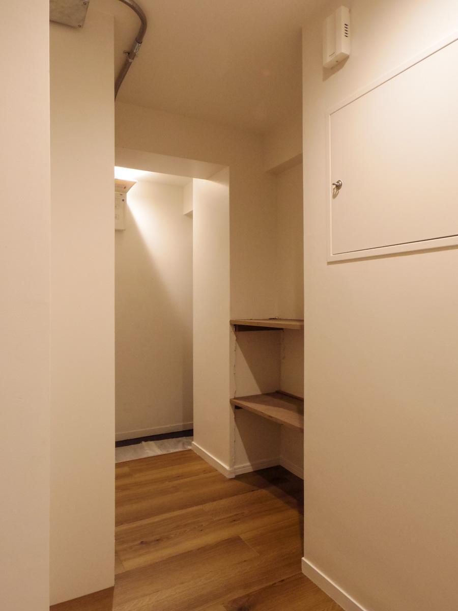 702号室の廊下