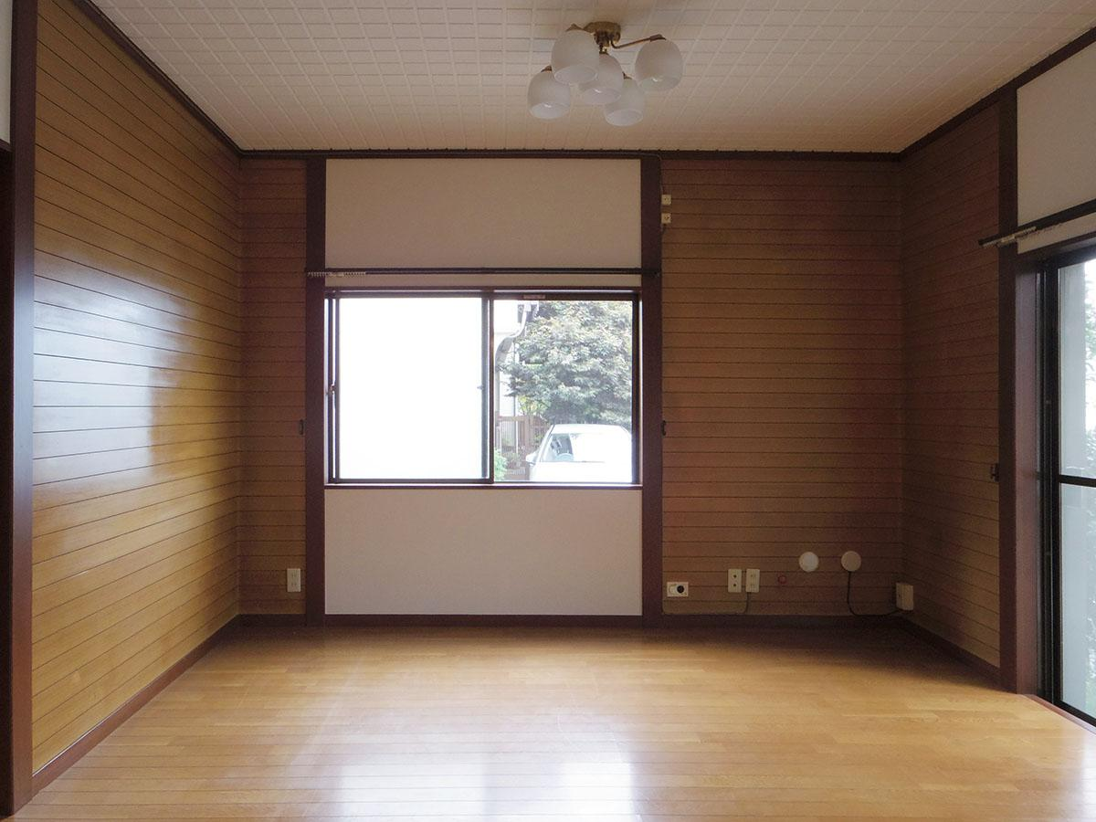 リビングの玄関側。ソファーを配置するならこっちかなと。