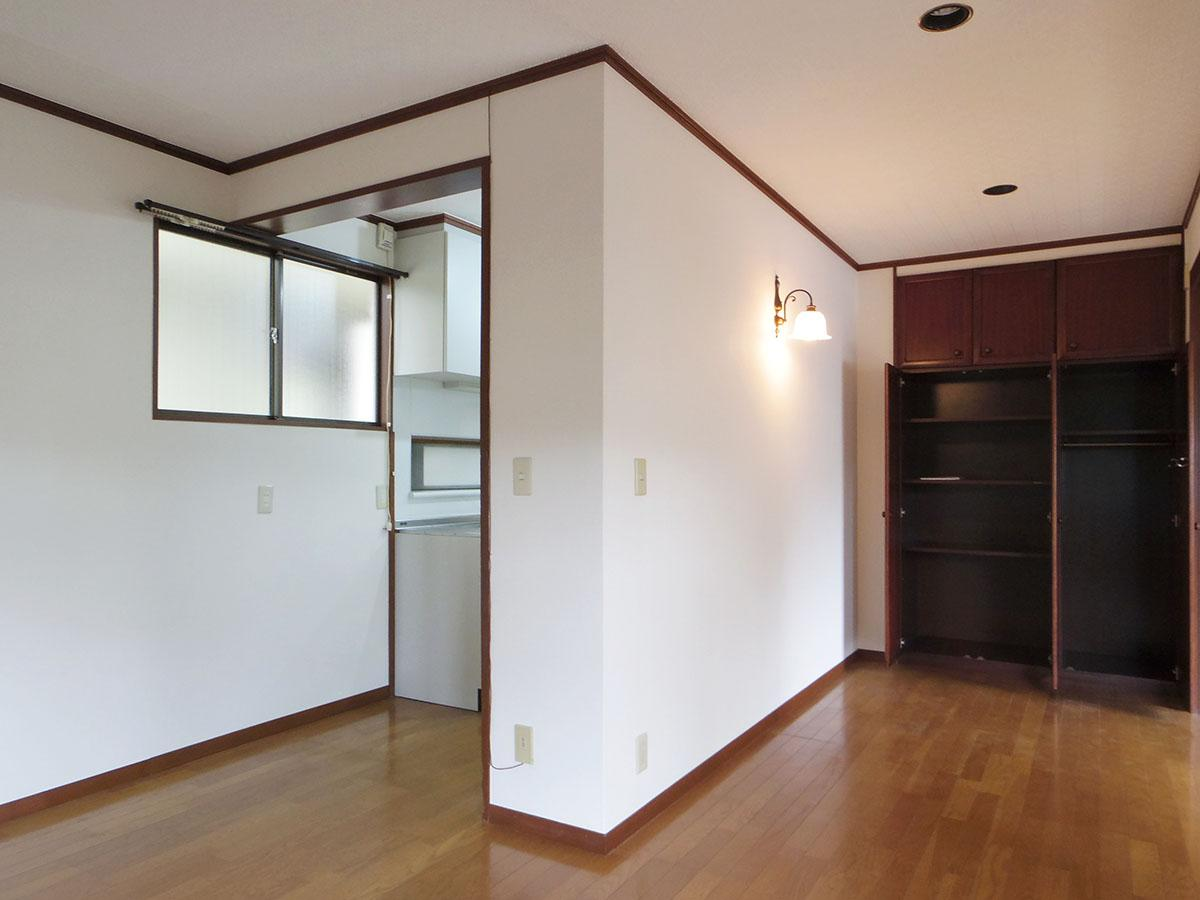 左側がキッチンスペース