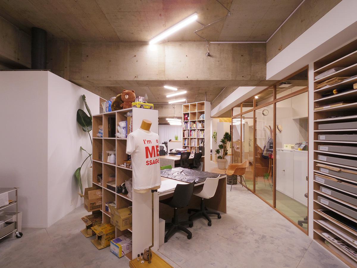 天井高は約3m。デザイン事務所としてリノベーションしたすてきな空間をバトンタッチ!