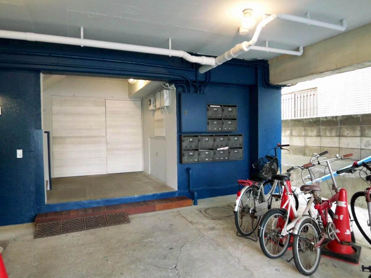 1台に限り自転車駐輪可能。屋根付きがうれしい