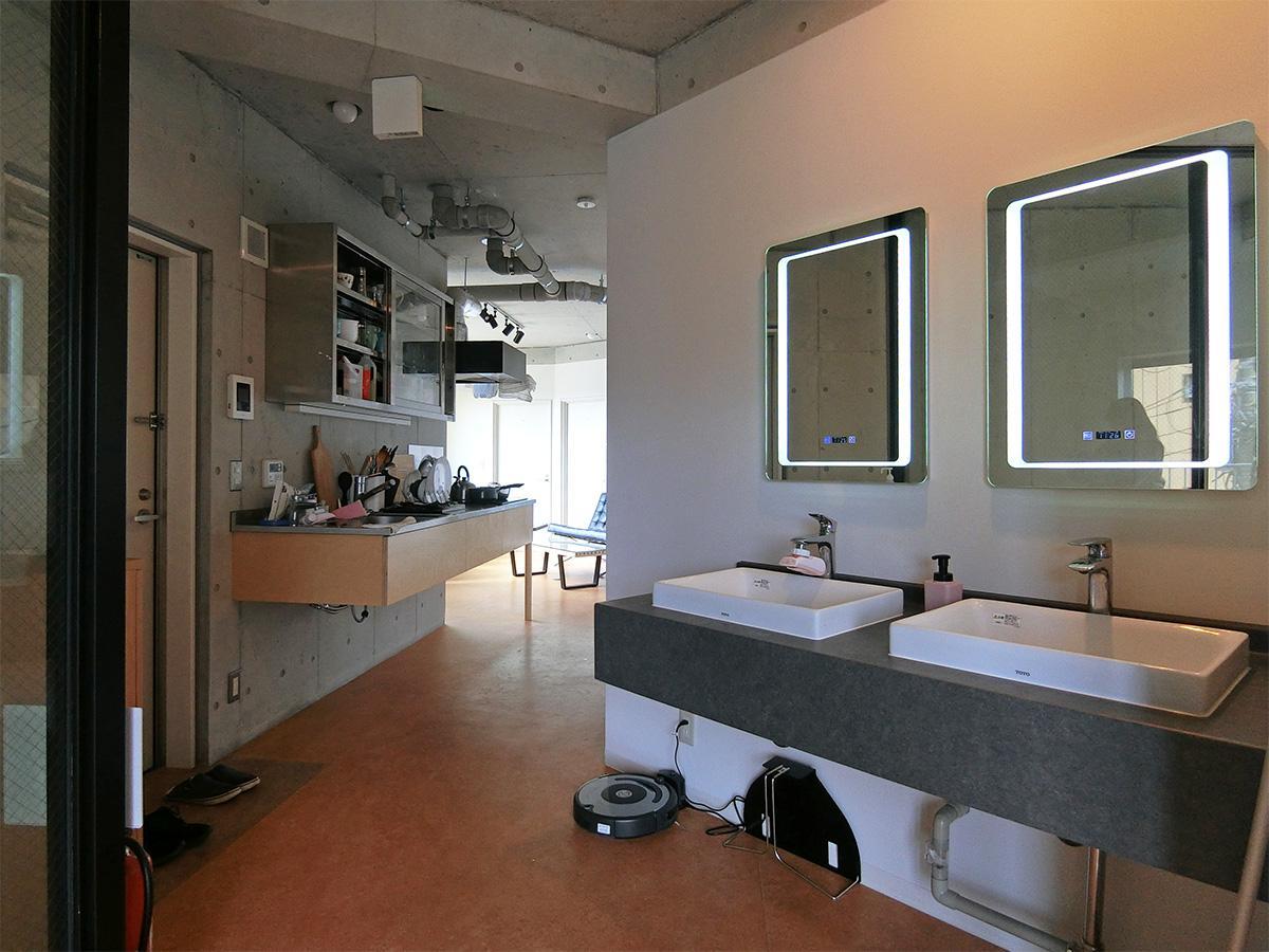 4階洗面台:コロナウイルス対策として非接触で水が出るような工夫がされています
