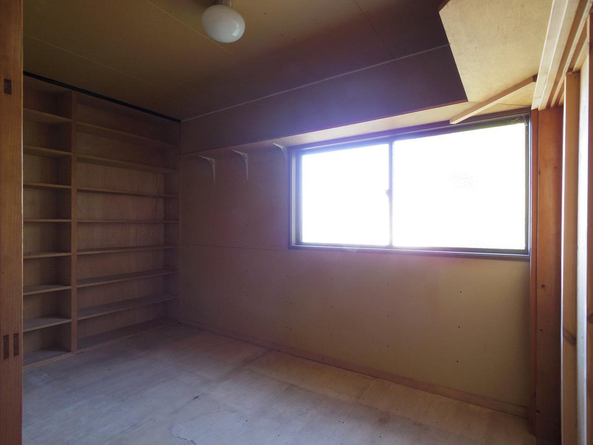 1階の納戸はパントリーとして使い勝手が良さそう