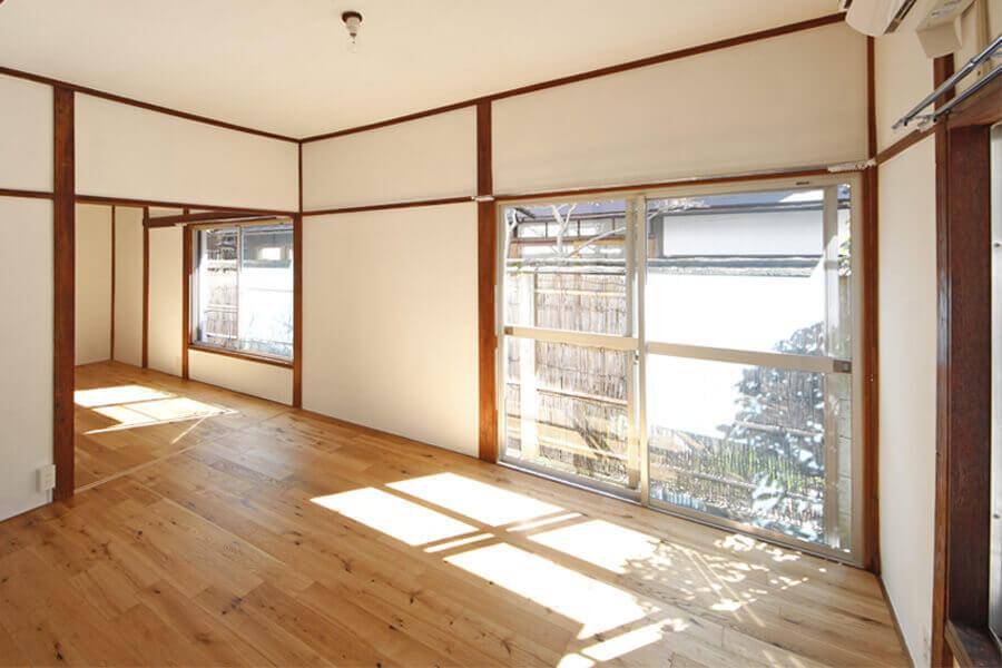 1階でも午前中は気持ちの良い光が入ってきます