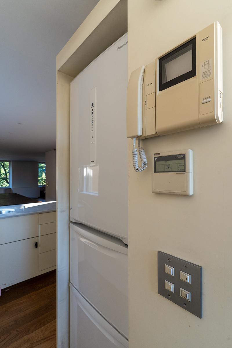 冷蔵庫もジャストサイズなものが備え付け
