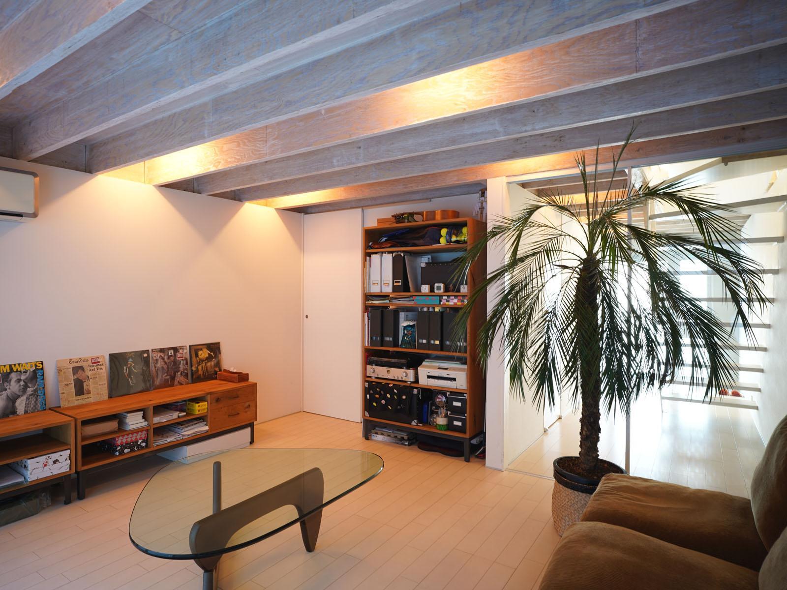1階:遊び心を発揮したくなる部屋、玄関から直通のミニオフィスにも