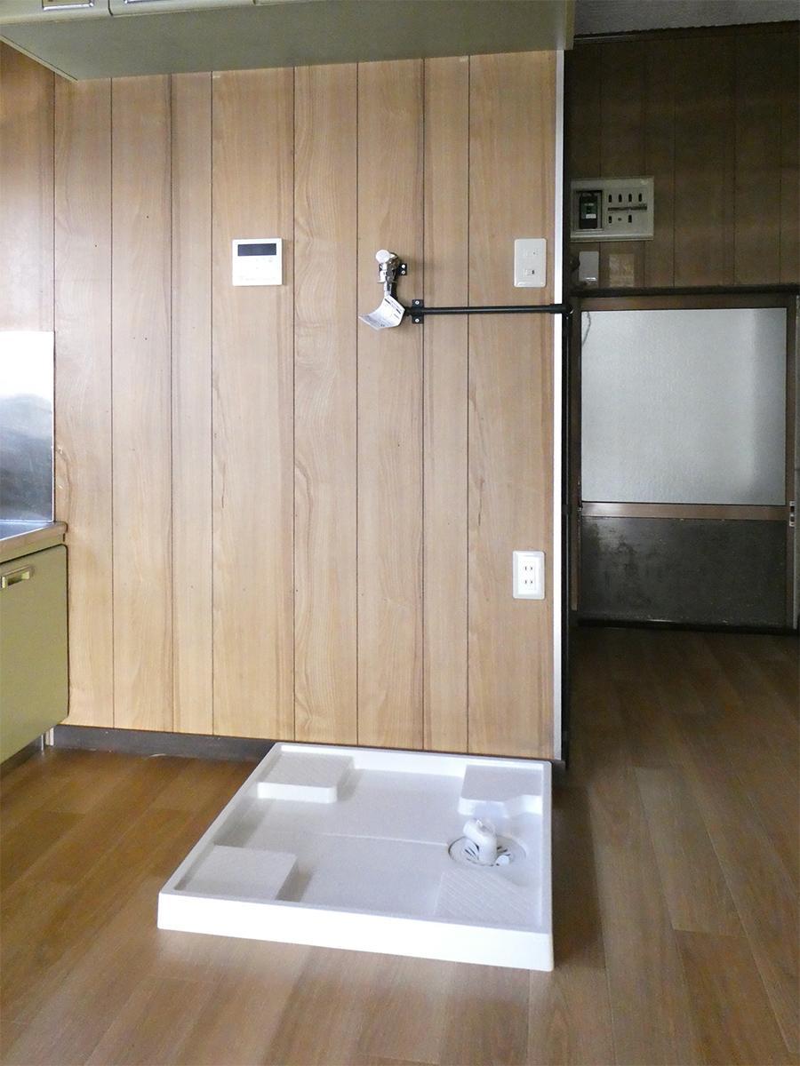 洗濯機置き場。キッチンの横