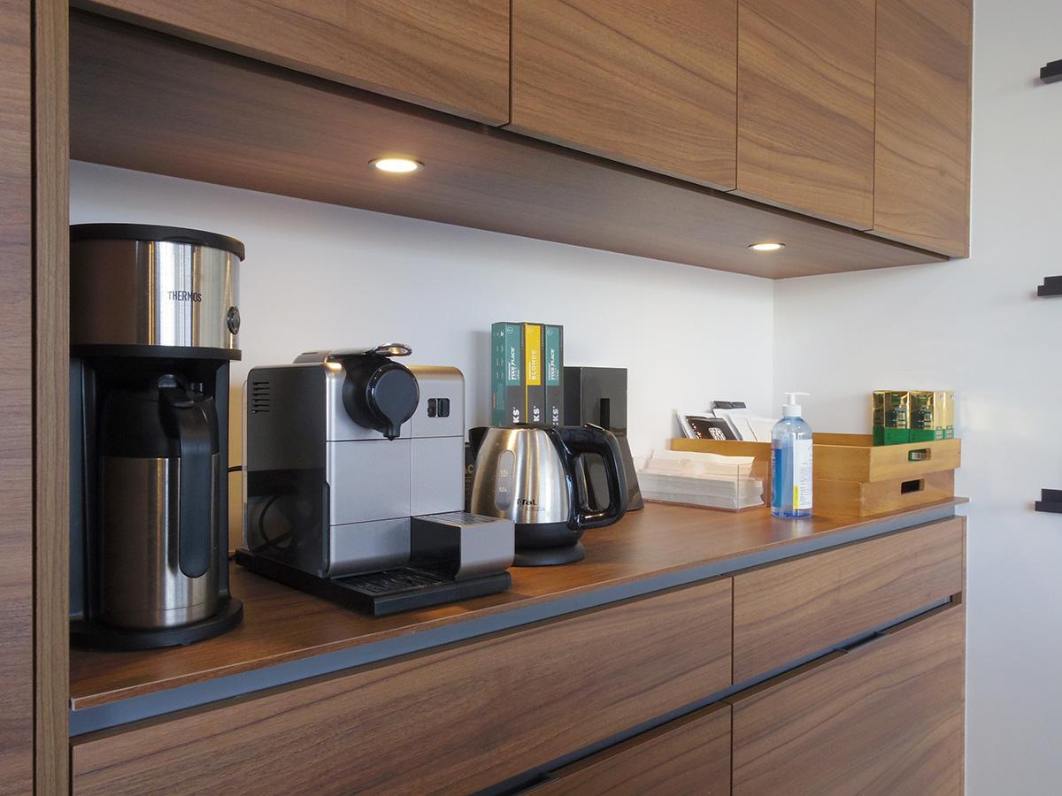 コーヒーメーカー、来客用のカップなども用意あり