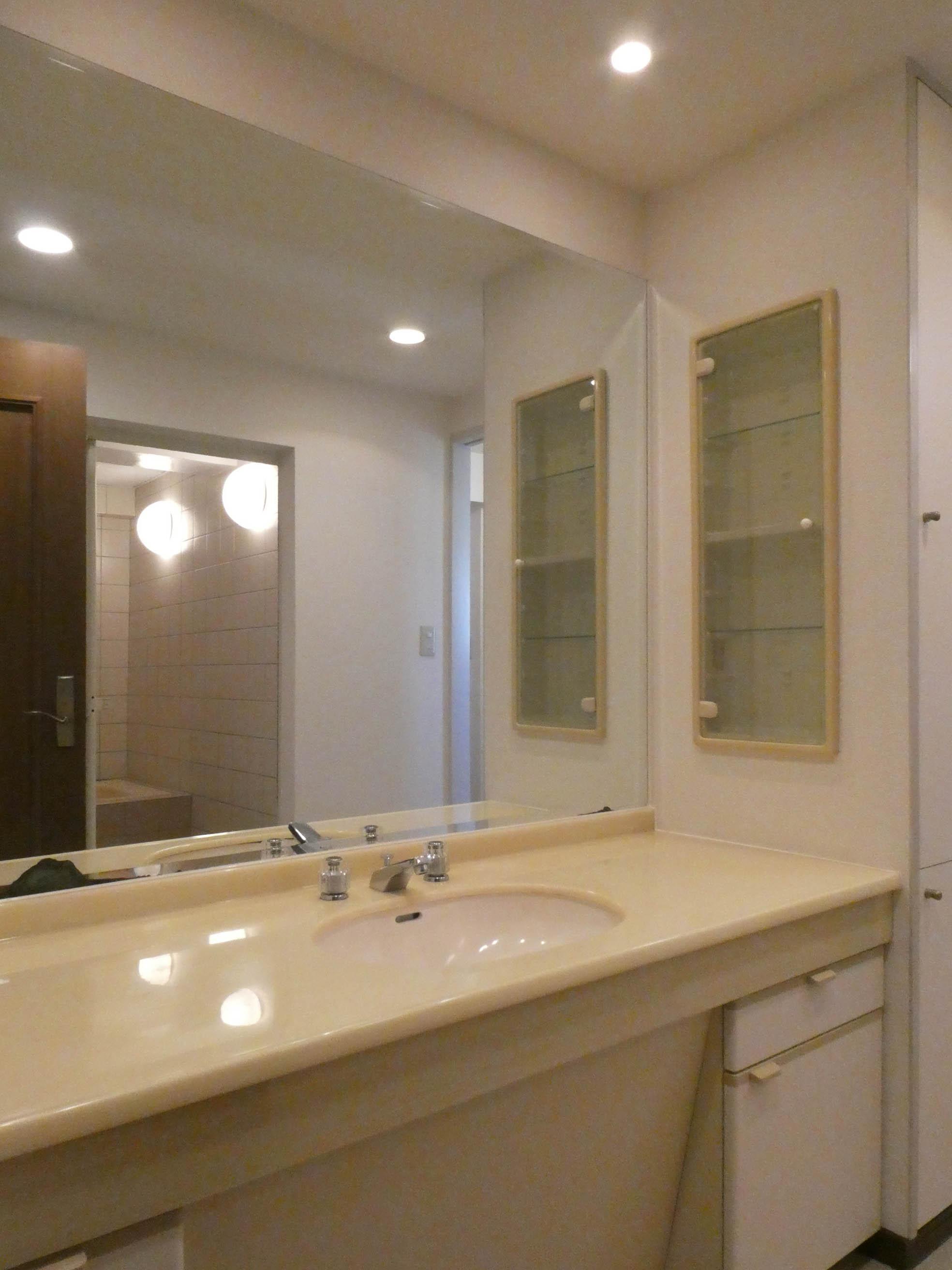 2階:洗面台、脱衣所