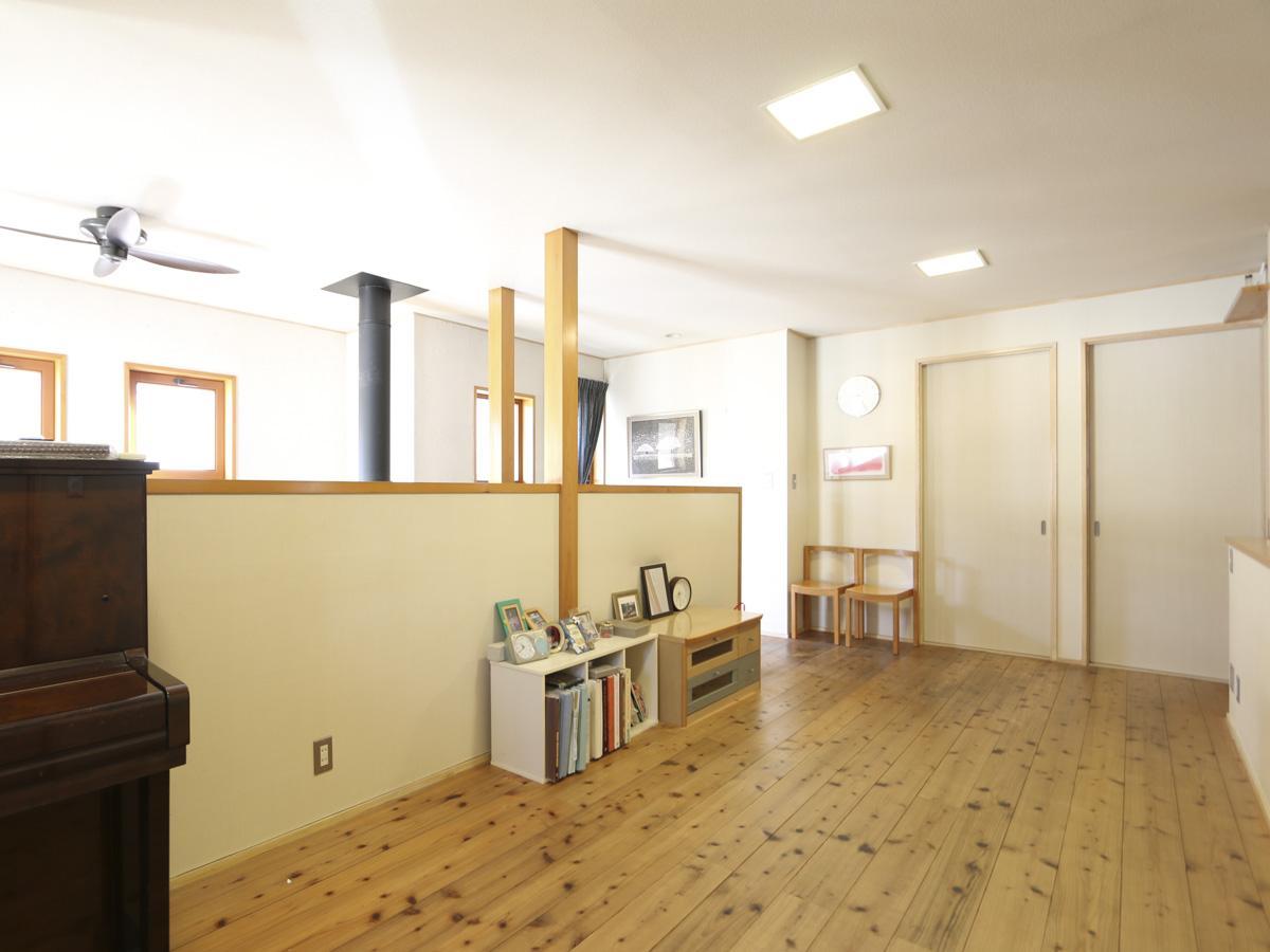 2階はオープンスペースのほか、洋室が二つ