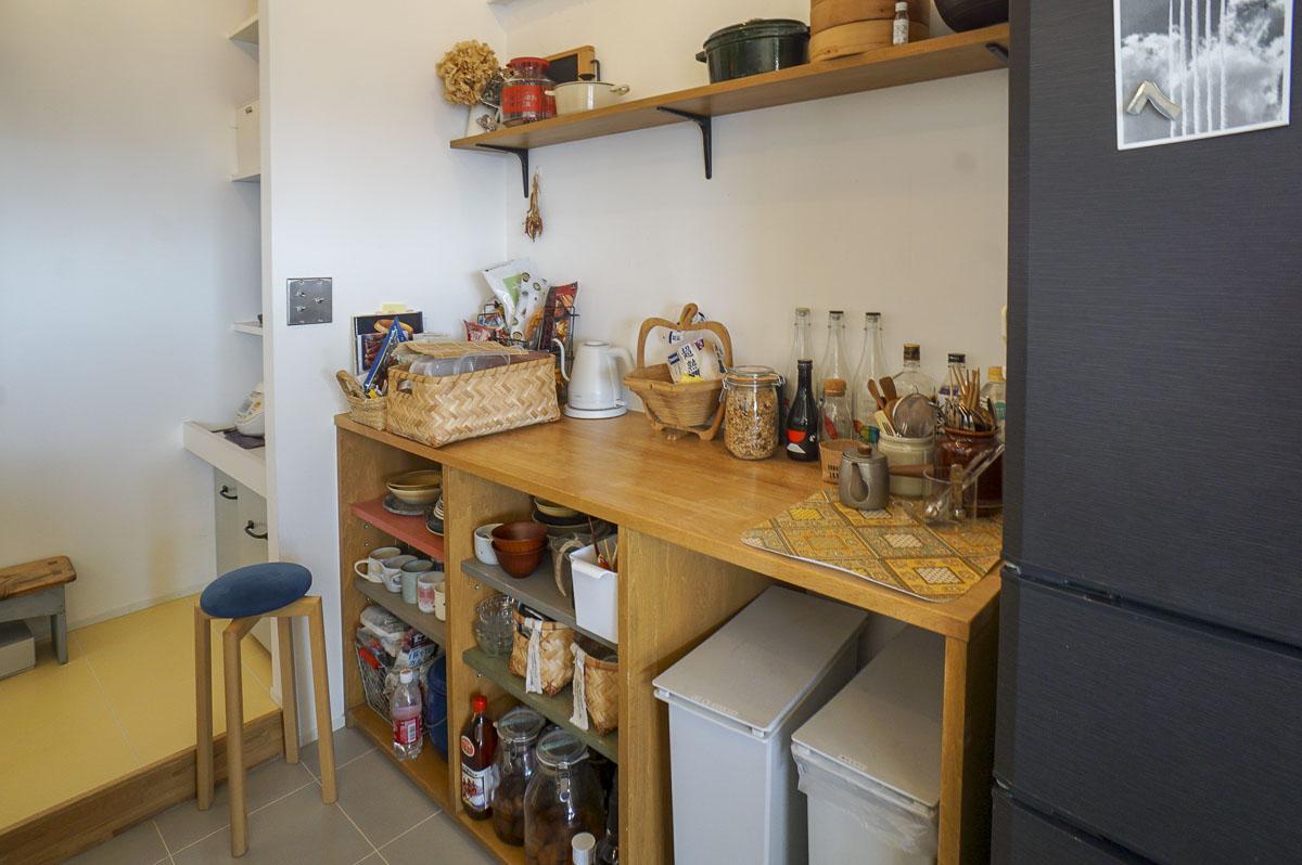 造作のキッチン