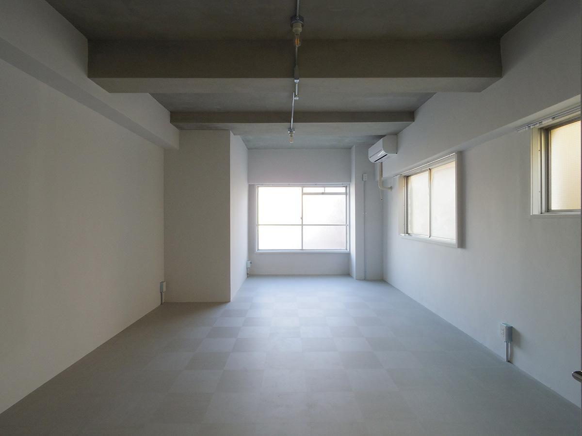 角部屋は2面採光で明るい(306)