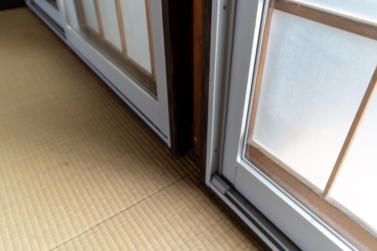 畳の部屋にペアガラスの二重サッシを取り付けている珍しい組み合わせ