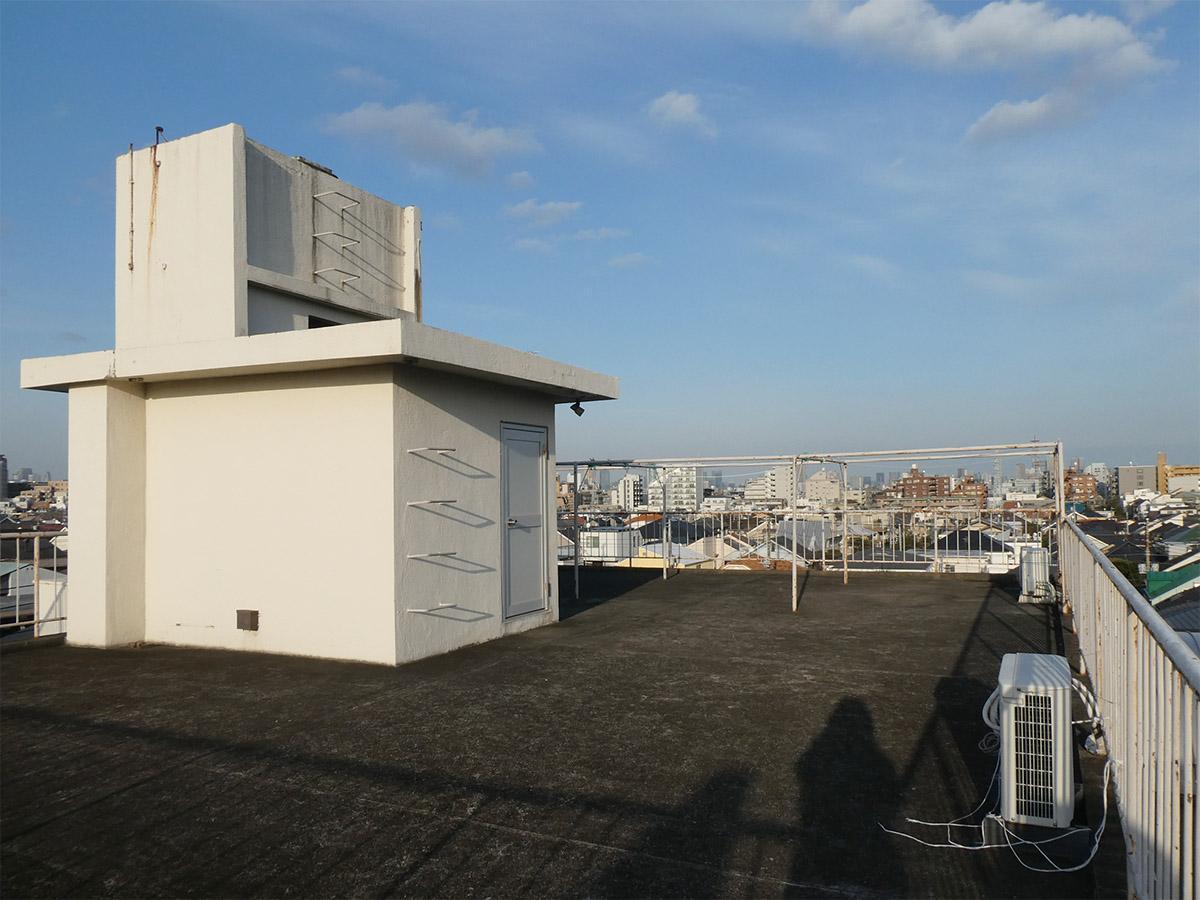 バルコニーはないですが、屋上が気持ちいいんです~
