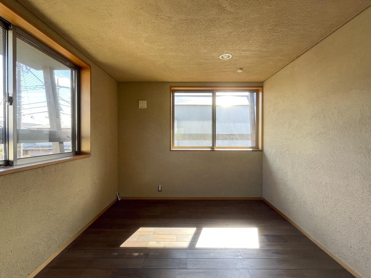 6畳の洋室は夫婦の主寝室にどうでしょう?広々としたウォークインクローゼットあり