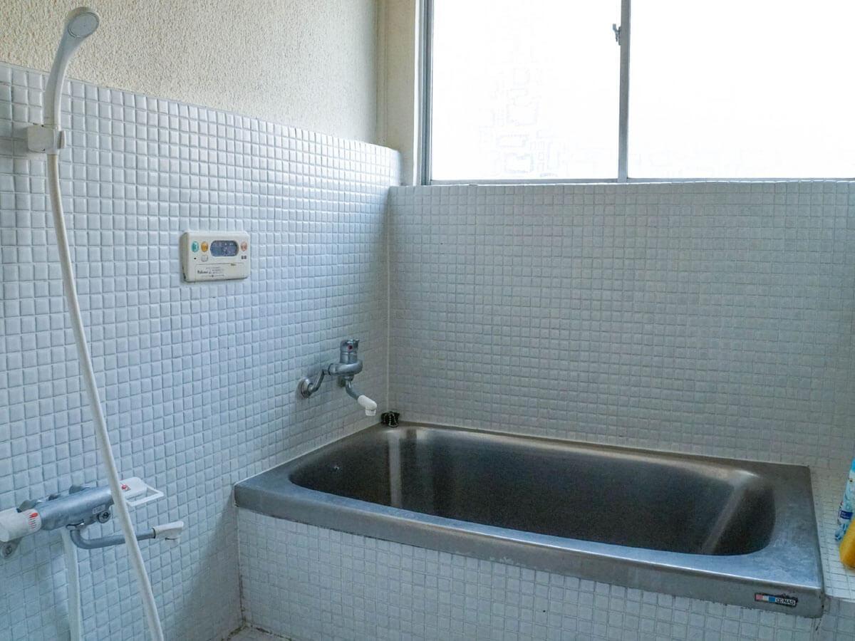 お風呂場はひとつ