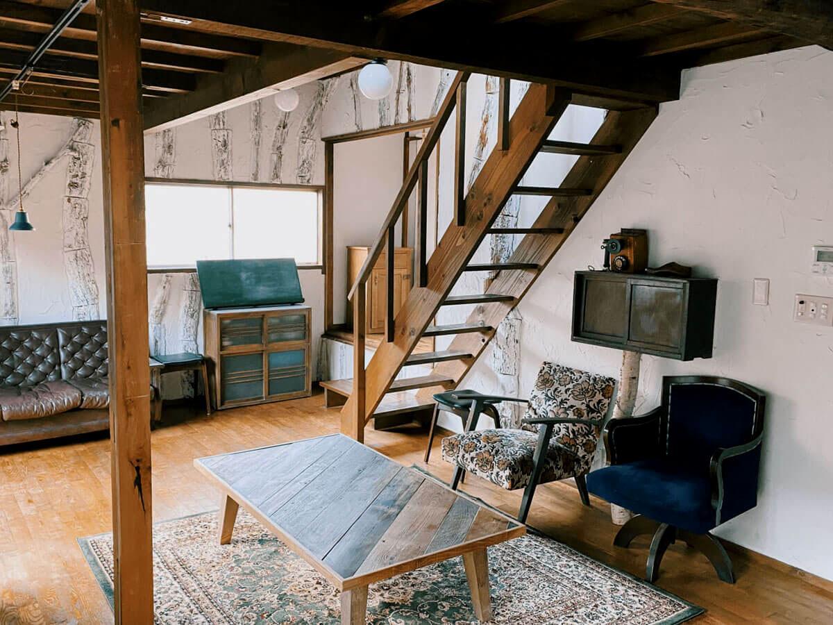 階段の上には自由に使える屋根裏スペースも