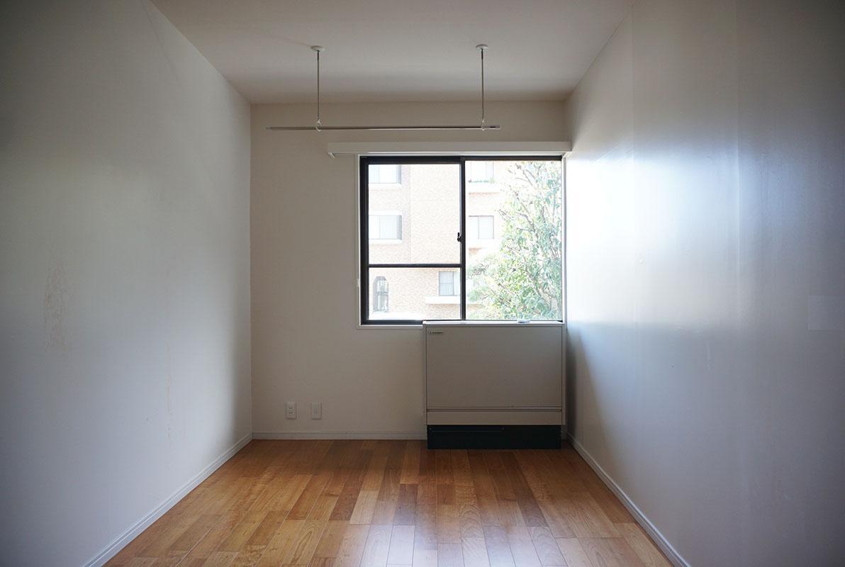 寝室の隣の5.3畳洋室