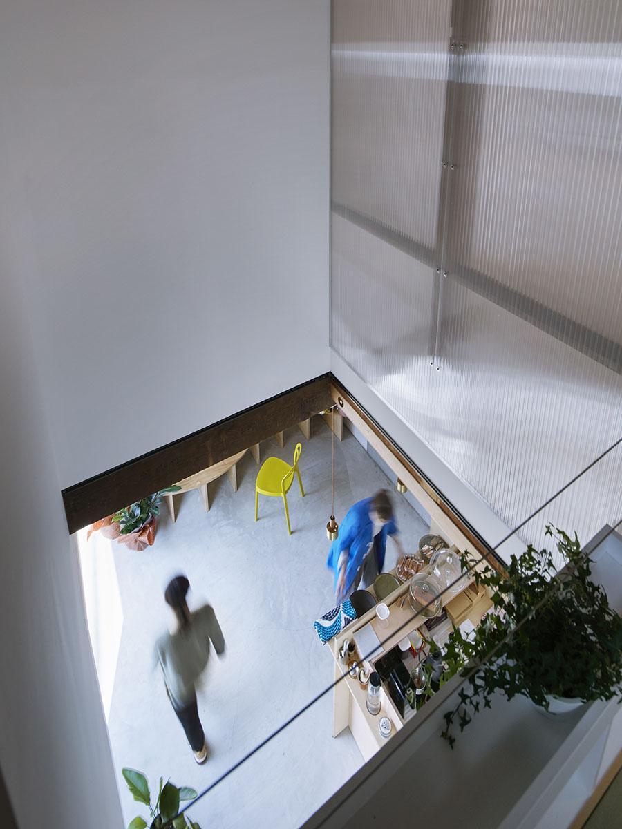 吹き抜けと1階のギャラリーは繋がっている(撮影:Forward Stroke Inc. 奥村浩司)