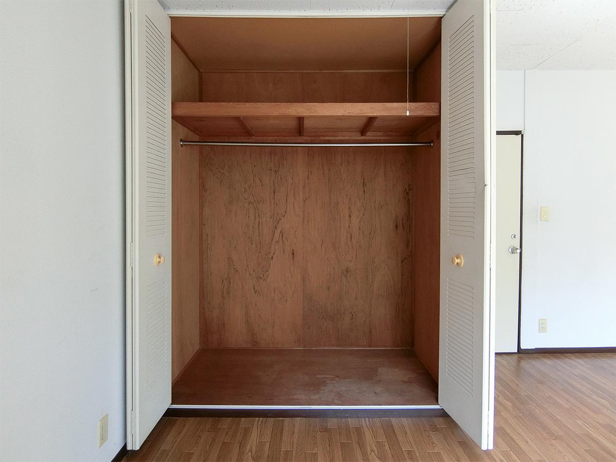 偶数部屋の収納はかなり大きめ(写真はC棟のものですが、同様の大きさ)