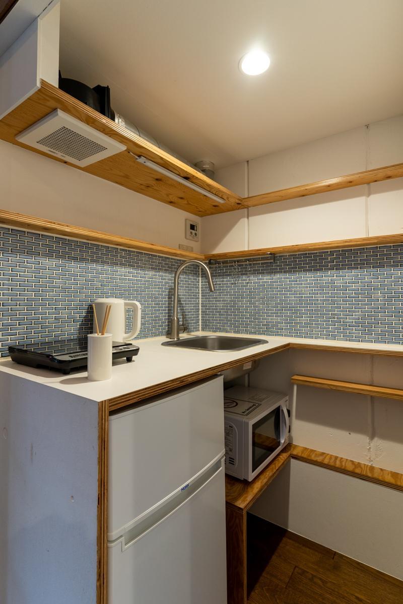 コンパクトながらIHコンロが動かせるため調理がしやすいキッチン